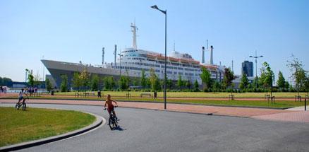 Nave De Rotterdamm e biciclette